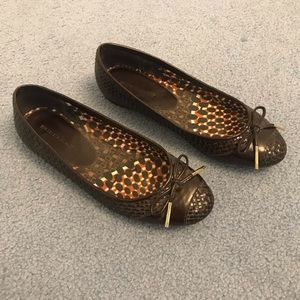 Brown Burberry flats with bow, size 8